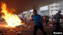 مواجهات بين عناصر الاخوان وقوات الامن والشرطة في ميدان رمسيس الجمعة 16 آب