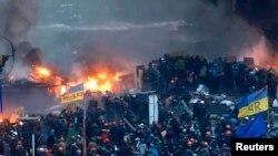 Столкновения на Майдане Незалежности в Киеве. 18 февраля 2014 года.
