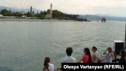За последний год поток туристов в Абхазию осторожно рос на 3-5%