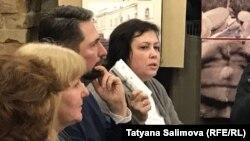 Марина Наумова (справа на фото)