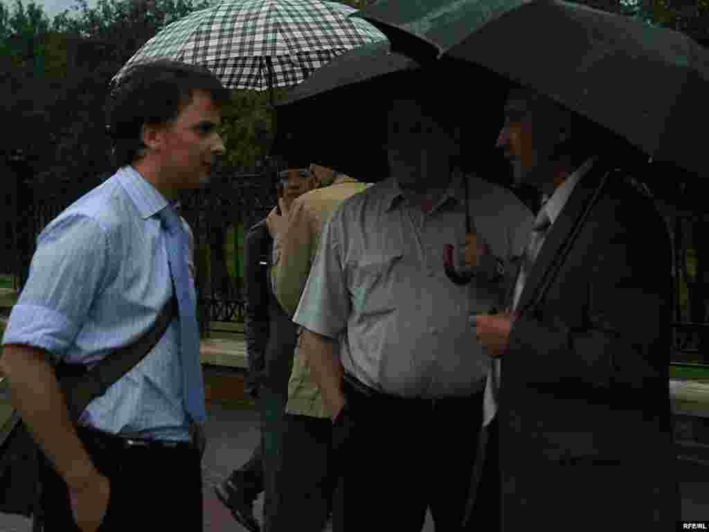 Пратэст супраць рэканструкцыі Лошыцкага парку ў Менску, 21 ліпеня 2008 году - Пратэст супраць рэканструкцыі Лошыцкага парку ў Менску, 21 ліпеня 2008 году