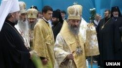 Митрополит Онуфрій під час панахиди за блаженнішим митрополитом Володимиром, Києво-Печерська Лавра, 13 серпня 2014 року
