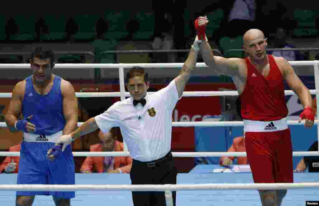 Казахстанский боксер Иван дычко, выступающий в супертяжелом весе, стал чемпионом Азиады. На Азиатских играх в Гуанчжоу в 2010 году он получил серебро.