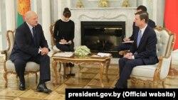 Belarus prezidenti Alyaksandr Lukashenka ABŞ dövlət katibinin siyasi məsələlər üzrə müavini David Hale-i qəbul edib
