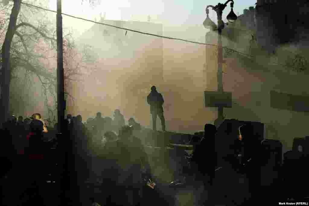 Дым на баррикадах