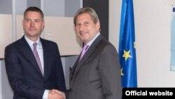 Ministri i Integrimeve Evropiane, Bekim Çollaku, pas takimit me euro-komisionerin,Johannes Hahn, 13 prill 2016