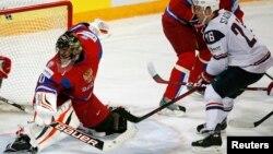 Хоккейден әлем чемпионатының жартылай финалындағы АҚШ пен Финляндия құрамаларының ойыны. Хельсинки, 16 мамыр 2013 жыл.
