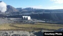 Кумтөр алтын кени деңиз деңгээлинен 4200 метр бийикте жайгашкан.