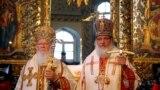 Были времена, когда патриархи Константинопольский и Московский Варфоломей (слева) и Кирилл вместе вели богослужение (фото 2009 года)