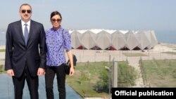 """Prezident İlham Əliyev və xanımı Mehriban Əliyeva """"Baku Crystal Hall""""un açılışında. 7 may 2012-ci il."""