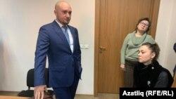 Зухра Хамроева (справа сидящая) и адвокат Руслан Нагиев в Верховном суде Татарстана. Архивное фото