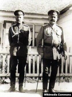 Hüseyn xan Naxçıvanski adyutantla birlikdə - 1916