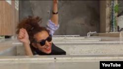 نمایی از کلیپ «هپی در تهران»