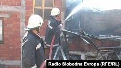 Архивска фотографија: Пожарникари во акција.