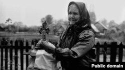"""Фота Міхася Раманюка з альбома """"Беларускія народныя крыжы"""""""