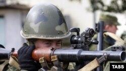 Реальной возможностью для вторжения российской армии Бокерия признал планируемые на сентябрь беспрецедентные по масштабам и формату военные учения «Кавказ - 2012»