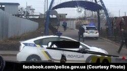 Поліцейські біля викраденої маршрутки, Київ, 2 березня 2017 року