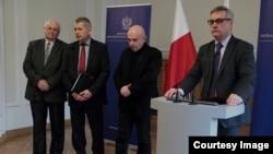 Намесьнік міністра інфраструктуры ібудаўніцтва Польшчы Ежы Шміт (справа)