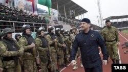 Кадыров упорно продолжает бороться за то, чтобы парни вернулись из леса, и не в российскую колонию, а в родные чеченские села
