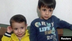 Aylan Kurdi dhe vëllau i tij, Galip.