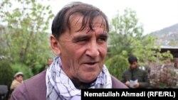 نذیر محمد نیازی سرپرست شاروالی بدخشان حین مصاحبه با رادیو آزادی در شهر فیض آباد. 2019 17 April