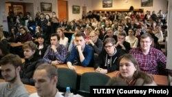 Студэнты Менскага інавацыйнага ўнівэрсытэту падчас страйку 11 лістапада