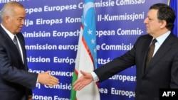 Bugun O'zbekiston prezidenti Islom Karimov Yevropa Ittifoqi komissiyasi prezidenti Joze Manuel Barrozoga bilan uchrashdi.