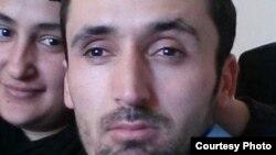 Таджикский мигрант Сайфиддин Эмомов, работающий в Турции.
