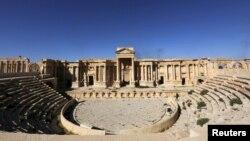 Pamje e objektit të amfitertarit romak në qytetin Palmira para se ai të shkatërrohej nga IS-i