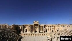 Фасад Римского амфитеатра до уничтожения