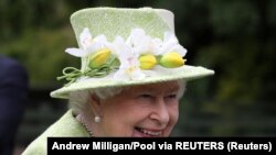 الیزابت دوم ٬ ملکه بریتانیا