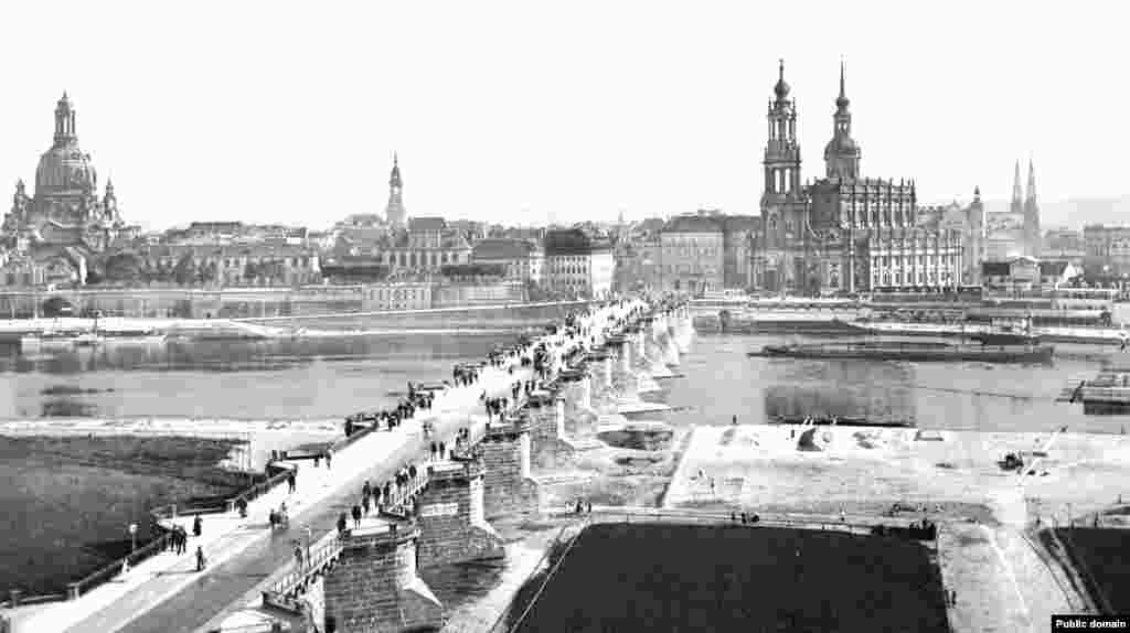 Dresden's skyline in the late 1800s, when the city was a thriving cultural center.