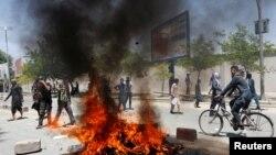 Protestuesit afganë gjatë protestës në Kabul