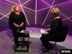Галина Павловська (ліворуч) під час інтерв'ю
