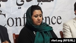 د افغان مېرمنو د شبکې یوه فعاله سمیرا حمیدي