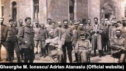 Ofițeri români la Krefeld, 1917. Gheorghe M. Ionescu al doilea din stânga