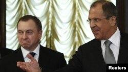 Ministri i jashtëm bjellorus, Vladimir Makei gjatë takimit në Moskë me ministrin e jashtëm rus, Sergei Lavrov, 10 korrik, 2013