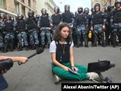 Olga Misik na protestu u Moskvi 2019.