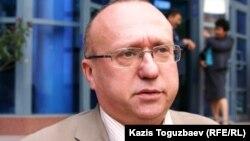 Сергей Злотников, Transparency Kazakhstan ұйымының сарапшысы. Алматы, 6 қазан 2010 жыл.
