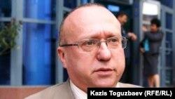 Эксперт Transparency Kazakhstan Сергей Злотников. Алматы, 6 октября 2010 года.