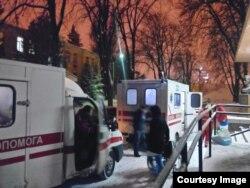 Поранених привозять до Київського госпіталю й під час перемир'я. Січень 2016 року (фото з фейсбук-сторінки «Волонтерської сотні Госпіталь»)