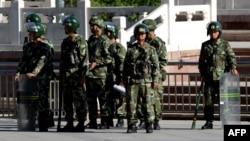 نیروهای شبهنظامی چین در ارومچی، مرکز شینجیانگ