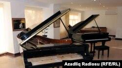 10 ayda 500 pianino hazırlanıb
