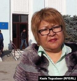 Ботагоз Исаева, заявитель по делу Ермека Тайчибекова. Поселок Кордай Жамбылской области, 4 ноября 2015 года.
