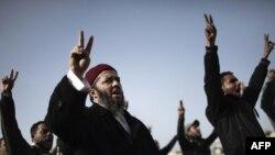 Лібія: валянтэры ў чарзе на запіс у паўстанцкае войска