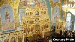Освящение Иоанно-Богословского кафедрального собора. Фото предоставлено Константином Вишниченко. Рудный, 14 января 2012 года.