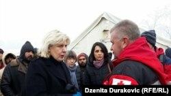 Visoka povjerenica Vijeća Evrope za ljudska prava Dunja Mijatović u kampu 'Vučjak', na sjeverozapadu BiH, 3. decembar 2019.