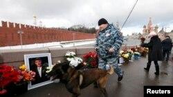Мемориал политику Борису Немцову.