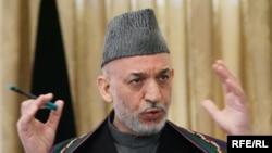 Ауғанстан президенті Хамид Карзай Кабулда баспасөз мәслихатын өткізіп тұр. 31 қаңтар. 2010 жыл.