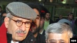 Möxämmät Äl-Baradei (s) häm İran wäkile Ali Äsqär Soltaniä Tähran hawa alanında, 11.01.2008